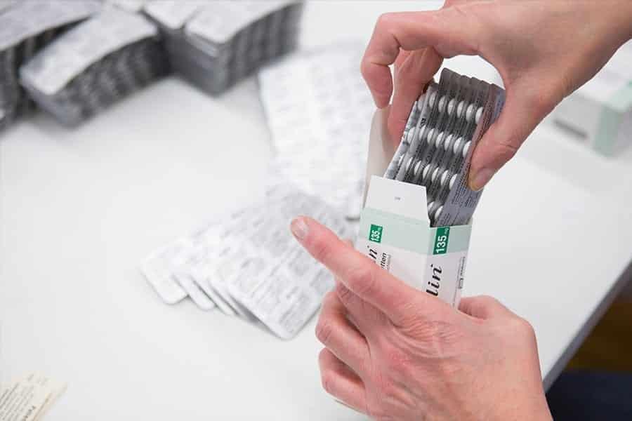 Als Lohnhersteller bietet kohlpharma auch Sekundärverpackungen für Arzneimittel.